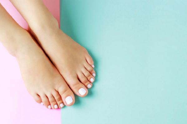 浮き指気味の足