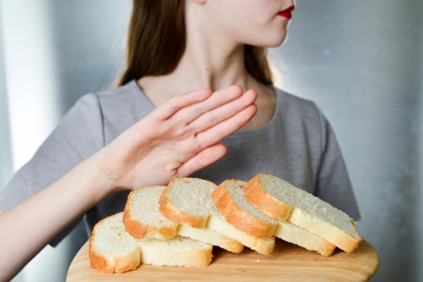 糖質制限をする女性