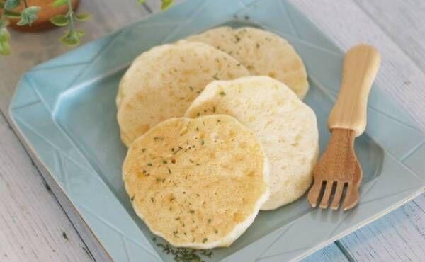 1歳~1歳6カ月ごろ(離乳食完了期)のレシピ「スイートコーンたっぷり米粉パンケーキ」