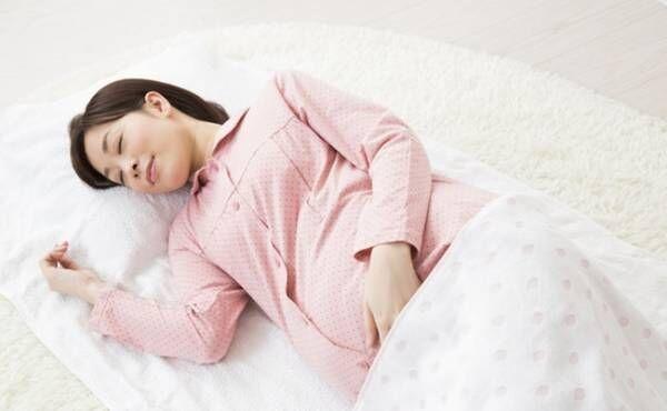 妊娠中の睡眠のイメージ