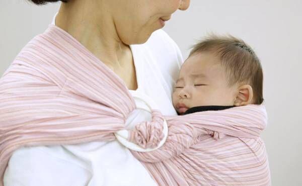 赤ちゃんをスリングで抱っこする方法 -基本編 のイメージ