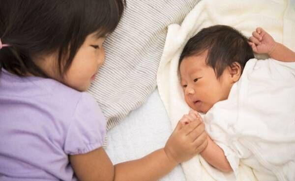 ごめんね…妹の誕生を楽しみにしていた2歳の娘を傷つけてしまった。