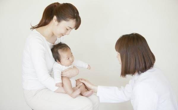 乳児検診に来た母子