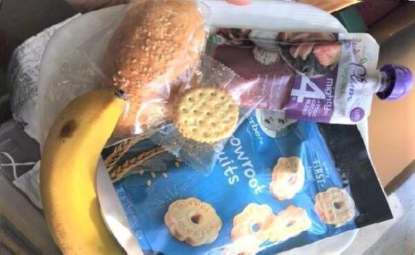 飛行機で食べるもの