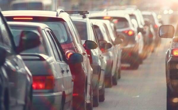 GW(ゴールデンウィーク)渋滞のイメージ