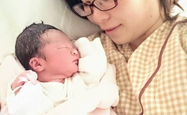 出産直後の母子のイメージ