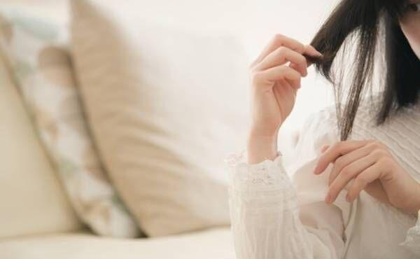 日ごろ使っているアレを替えたら髪のパサつきとクセが解消!【体験談】