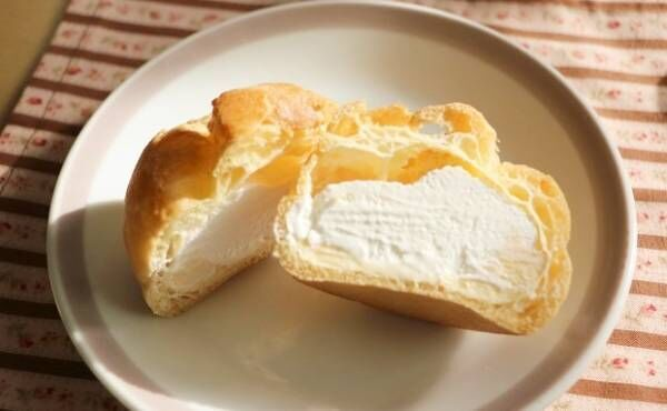 「糖質50%カットのダブルシュークリーム」120円 (税込)③