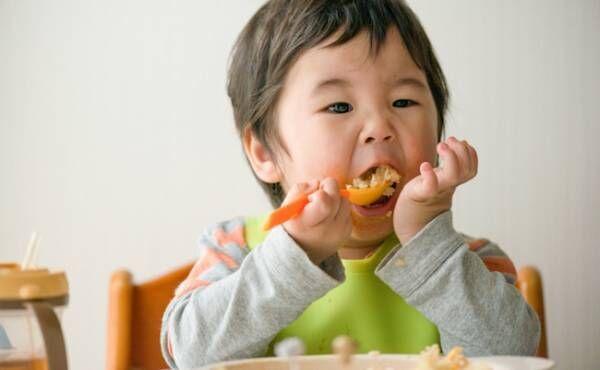 食事の時にイヤイヤ星人になる子どものイメージ