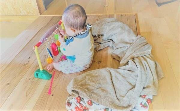赤ちゃんの転倒事故のイメージ