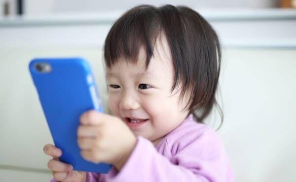 「2歳までテレビや動画NG」でもスマホやメディアと上手に付き合うには?【3児ママ小児科医の育児】