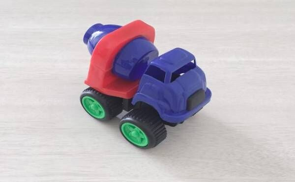 マルチに使える車のおもちゃ