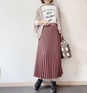 シアーニット&ロゴTコーデ③