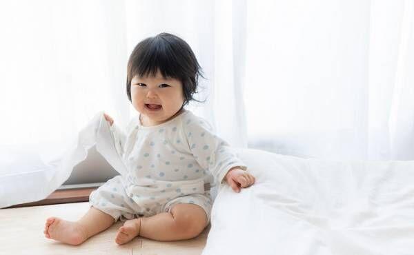 座っている赤ちゃんのイメージ