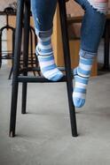 """社会問題は""""靴下""""で解決できる!おしゃれの定義を変える「足元レボリューション」。"""