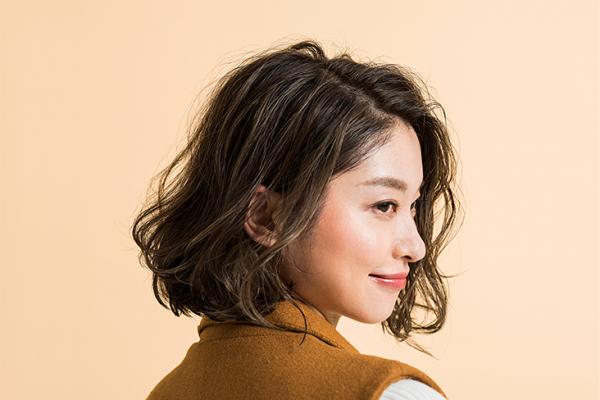 【2018年SS】大人ヘアカラーの大本命!暗髪×ハイライトのショートヘア 3選