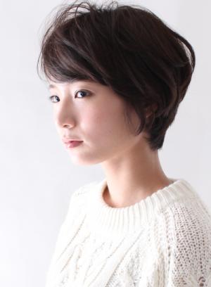 忙しい大人の女性必見☆前髪ありのスタイリング簡単ショートヘアー9選