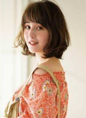 春が来た♡ヘアスタイルは引き続きミディアム×パーマがかわいい!