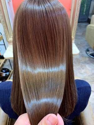 冬でも乾燥しらず?!SNSでも話題のトリートメントでしっとり美髪な美人ヘア