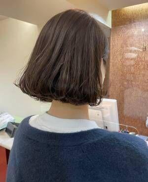 大人女性に大人気の首が長く見える『ショートボブ特集』