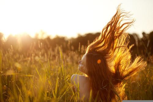 夏の終わりの髪は疲れてる!? 秋のキレイ髪のためにはじめたい美髪習慣とは?