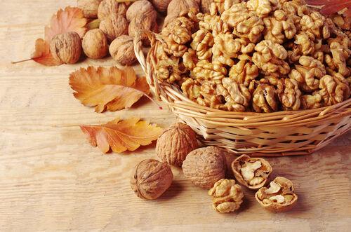 秋は毎日食べたい! お肌プルプルに潤う食品8つ&簡単レシピ