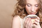 コーヒー好きには美人が多い!? コーヒーに隠されたサプリ級の効果とは?