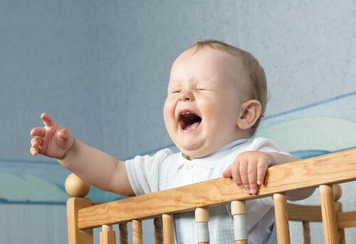 ねんねトレーニングのベストは6か月から? スムーズな寝かしつけのヒント