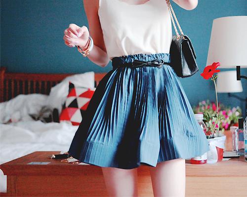 服の色がデートの行方を左右する!? 恋を操る服の色効果