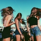 今夏、クラブで目立ちたい女子のための6つの洗練アイテム