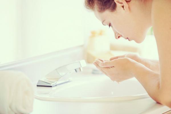 お金と時間をかけるより! 美肌の近道は「洗う」こと