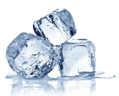 意外だけどかなり効果的!アイスキューブ(氷)を利用したスキンケア方法