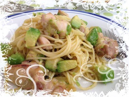 みんな大好き!アボカド・簡単レシピ~鶏肉とアボカドのタラコクリームパスタ~