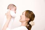 赤ちゃんのお世話はいつ何が楽になるの?乳幼児期別にご紹介