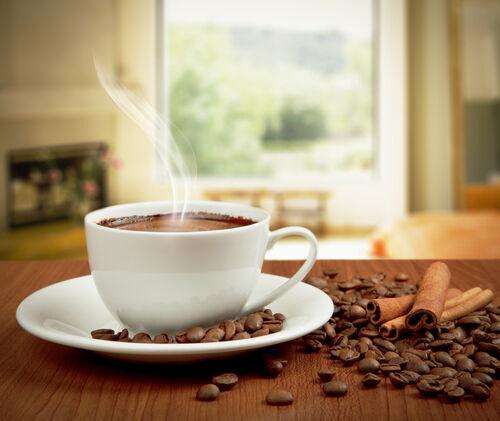 コーヒーの飲み過ぎに注意!! 実はあなたも!? カフェイン依存症とは
