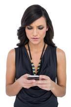 スマホ時間が長い人ほど顔がたるむ! デジタルデトックスを始めよう!
