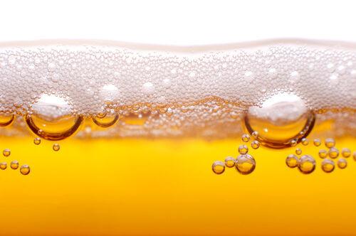 そろそろビールの季節! 知っておきたいカロリー&糖質オフの……落とし穴!?