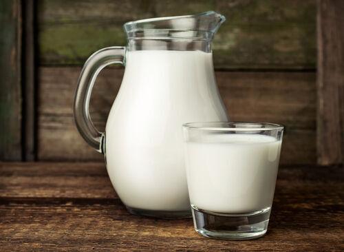 自宅にある牛乳でさらにアンチエイジングを目指す! ミルク美容の達人になれるポイントとは?