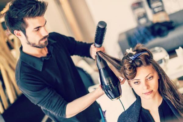 美容師に恋をしたら? 現役美容師さんがお客さんとの恋愛について語る!