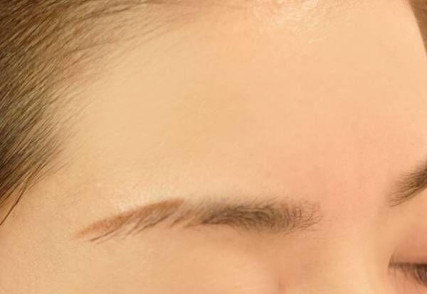 「眉丘筋」は眉メイクの基本! 表情にあわせた描き方レッスン
