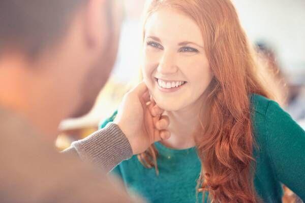 頑張らなくても結婚できる!  本命男性から言い寄られる女性の特徴5つ