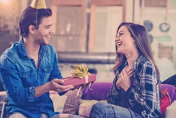 ベタでもうれしい? 女子が密かに憧れる「誕生日プレゼント」5選