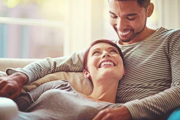 現実が明らかに! 結婚生活に望むものは愛? それとも安定感?