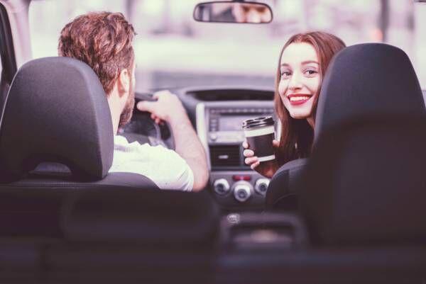 気の利く彼女はモテの条件! ドライブデートで好感度アップする方法