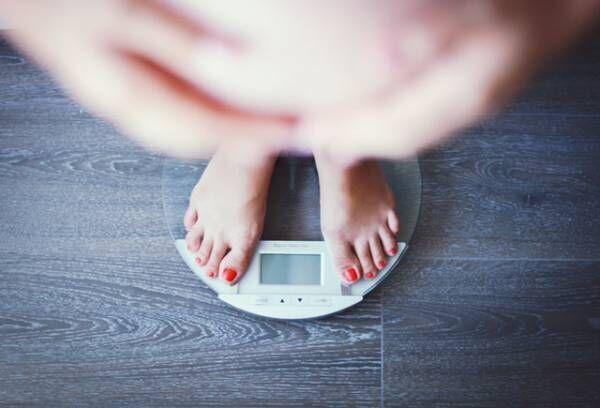 「太りすぎてやばい!」ずぼら女子がダイエットを決意する瞬間4選