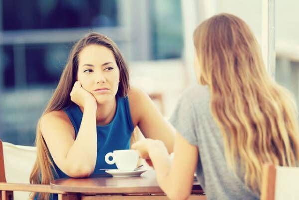 延々とつまらない話をしゃべり続ける人への賢い対処法4つ
