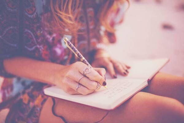 """自分と向き合うチャンス! 大人が書くべき""""自由日記""""のおすすめ5つ"""