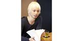 水嶋ヒロ、雑誌の編集長に就任! 金髪&無精ひげで編集会議に臨む