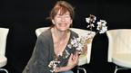 仏女優ジェーン・バーキンが復興支援のため緊急来日 桜を手に日本にエール!