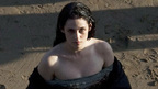 クリステン・スチュワート、白雪姫を演じる新作撮影中に負傷?